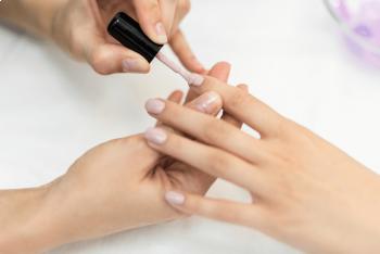 How to Choose Between Gel, Acrylic, or Dip Powder Nails