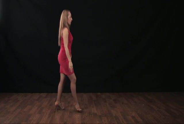 CBL Open Breaking Styling: Hip Rolls
