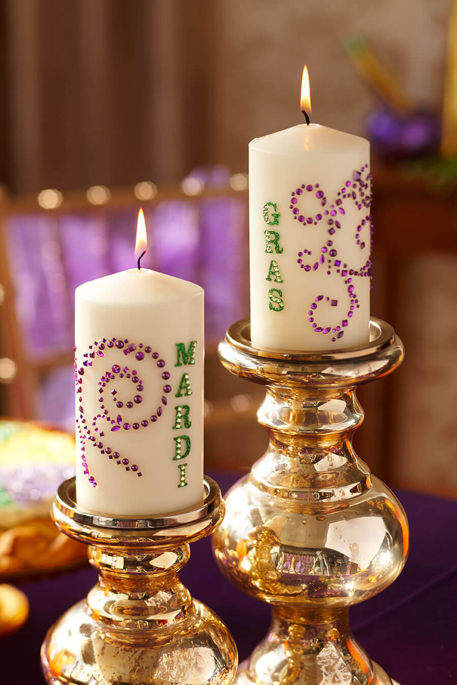 Sandra_Lee-mardigras-tablescape