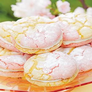strawberry-lemonade-sandwhich-cookies