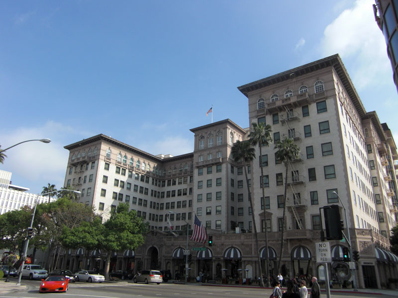 Pretty Woman's Hotel on Wilshire