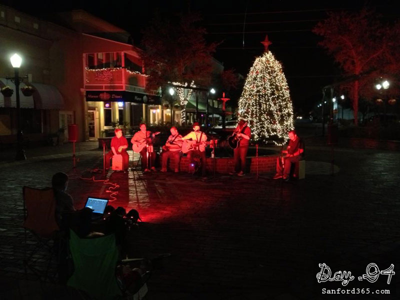 Day 94 – Impromptu Concert on Magnolia Square