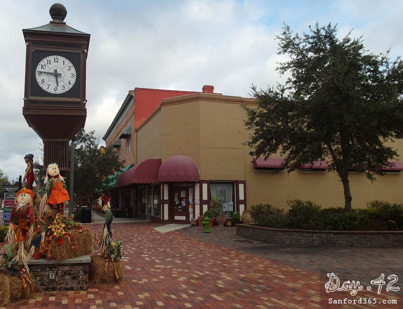 Fall on Magnolia Square in Sanford FL
