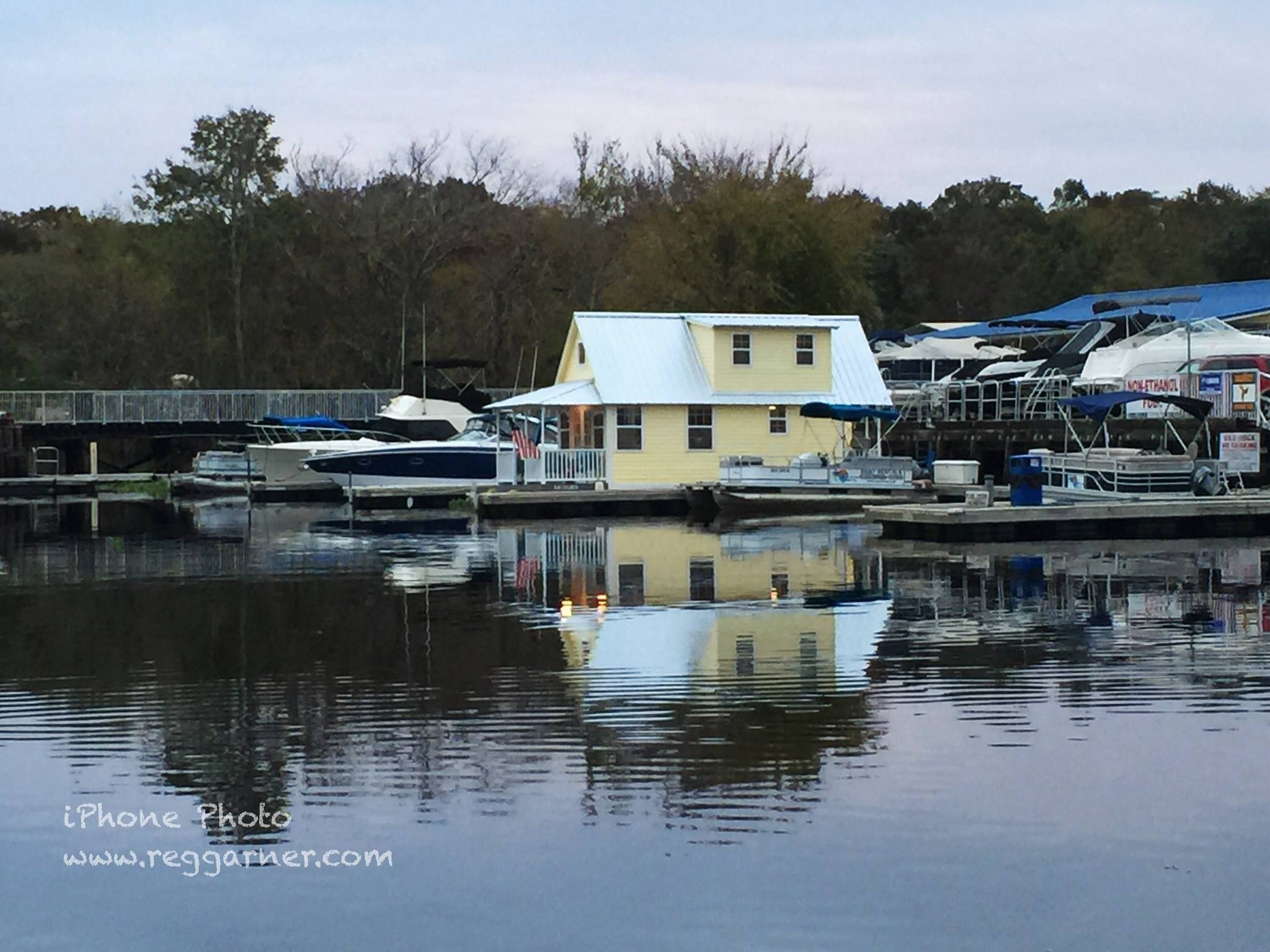 Central Florida House Boats - Floating Bungalows Made in