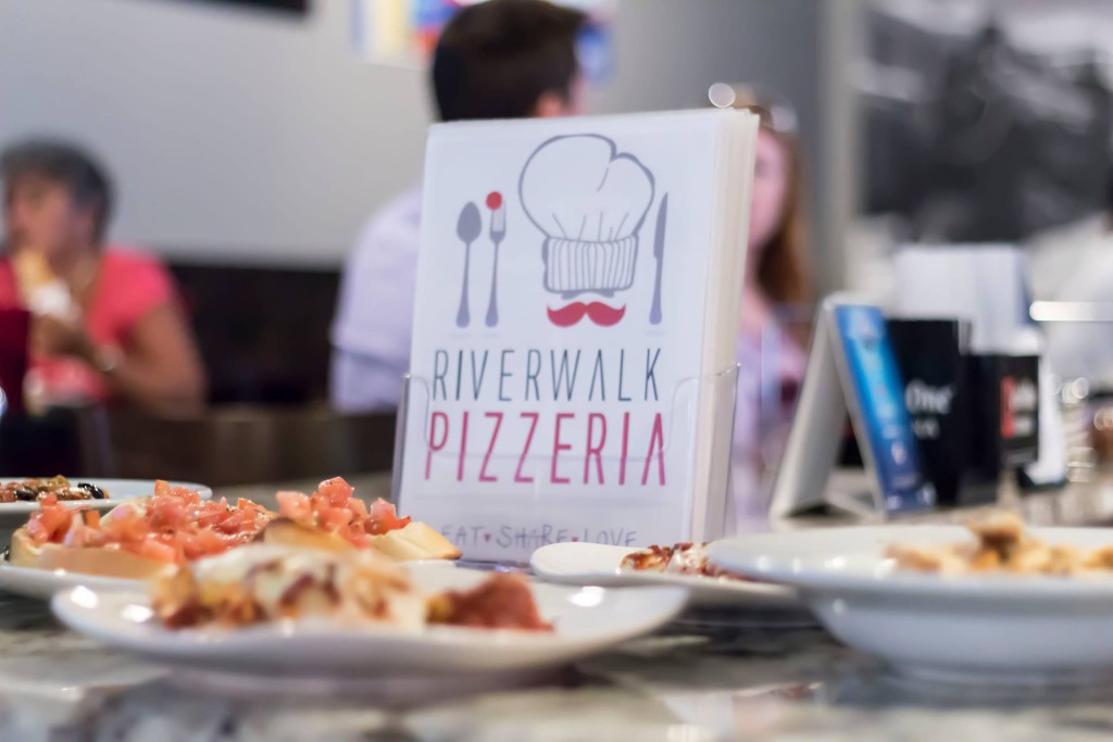 riverwalk-pizza