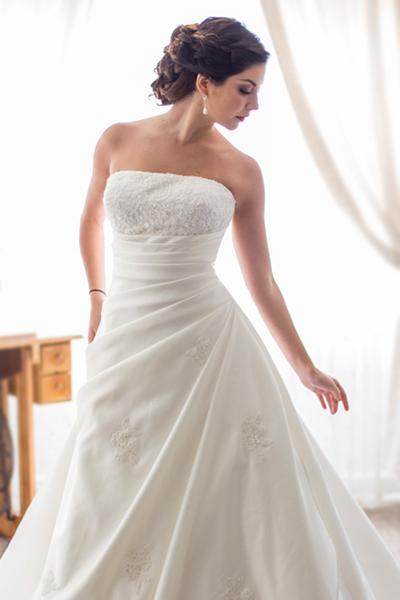 vestido de novia en A, strapless