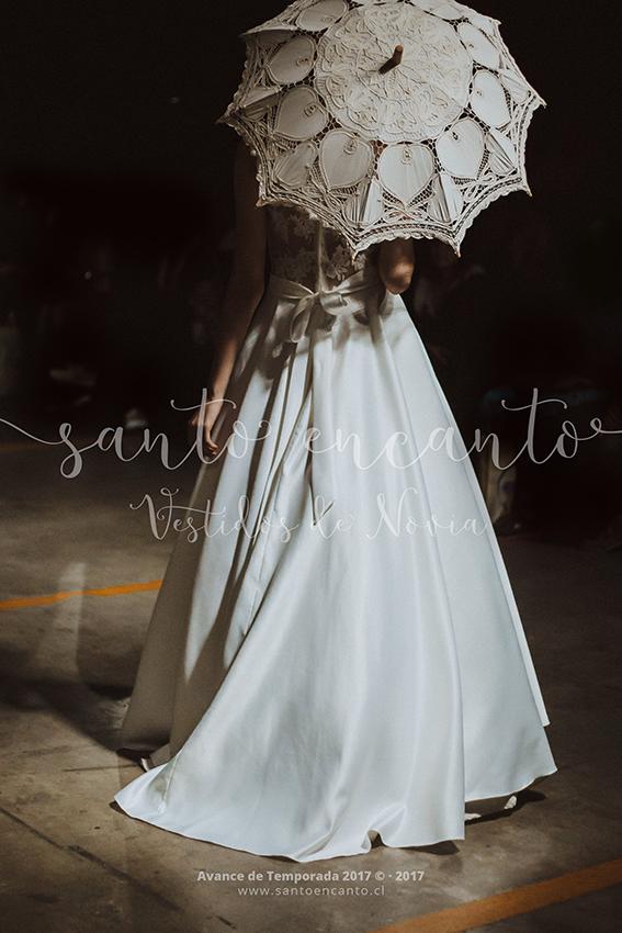 Vestido de novia transparente clásico