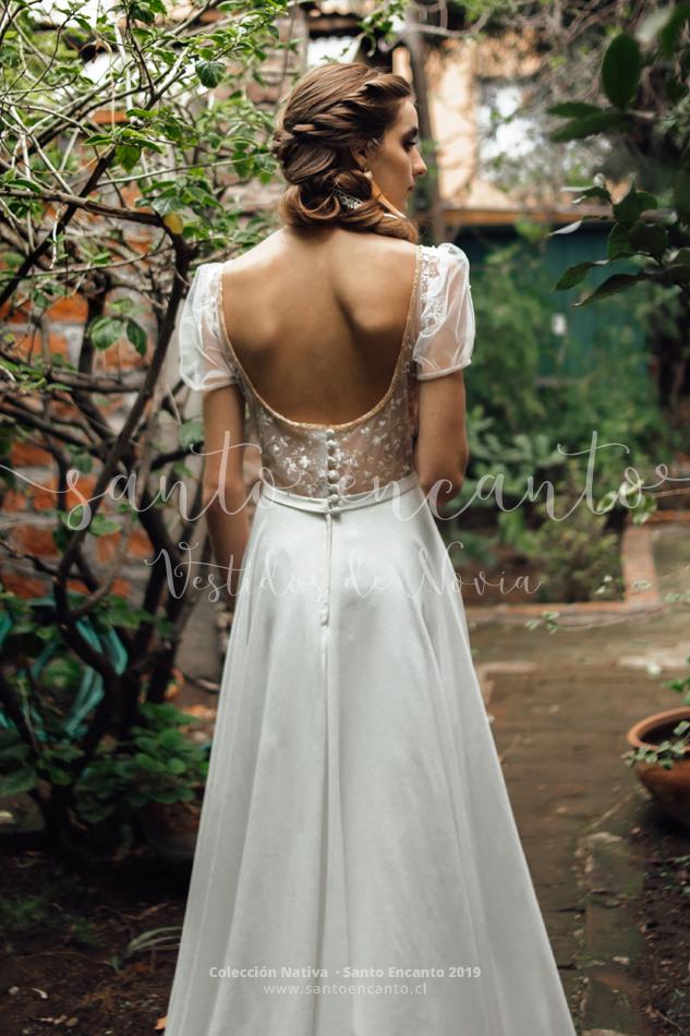 2979f5cc32 Lily • Vestidos de Novia Santo Encanto