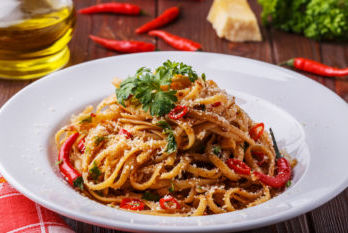 Linguine with pepper sauce