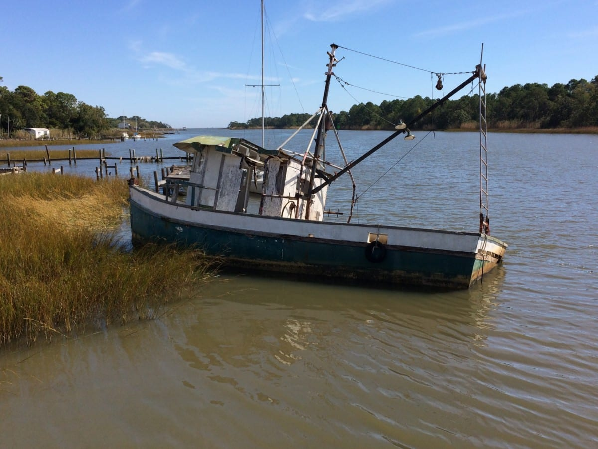 Apalachicola, sunk fishing boat