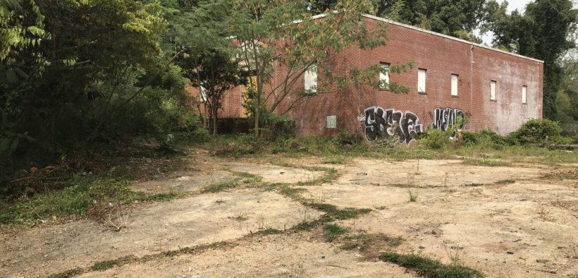 Bush Mountain, Oakland City, Fort McPherson, commercial
