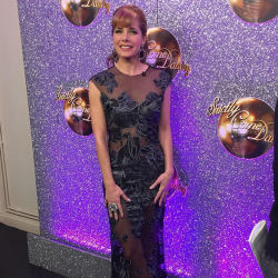 Darcey Bussell looks stunning in Sassi Holford on Strictly Come Dancing – 9 Dec 2017