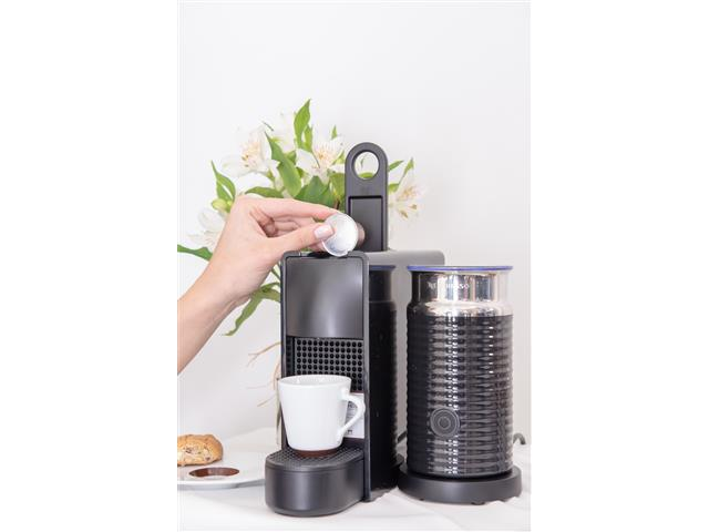 Kit Nespresso Essenza Mini Black + Aero3