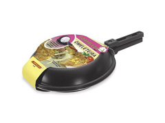Omeleteira Fortaleza Preta 18 cm