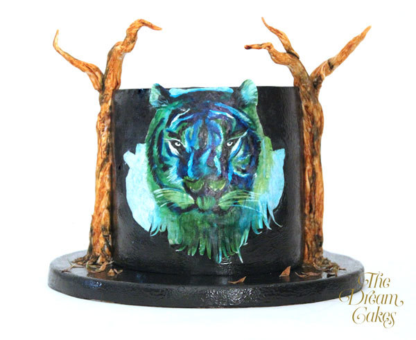 handpainted lion cake