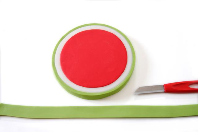 Watermelon-Girl-3.jpg?mtime=20180507135632#asset:26821