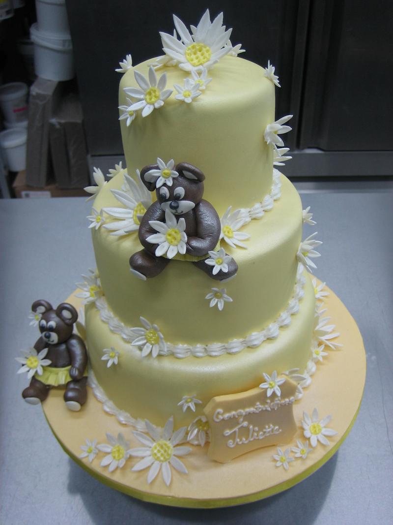 pastel yellow fondant Daisy Bear Cake