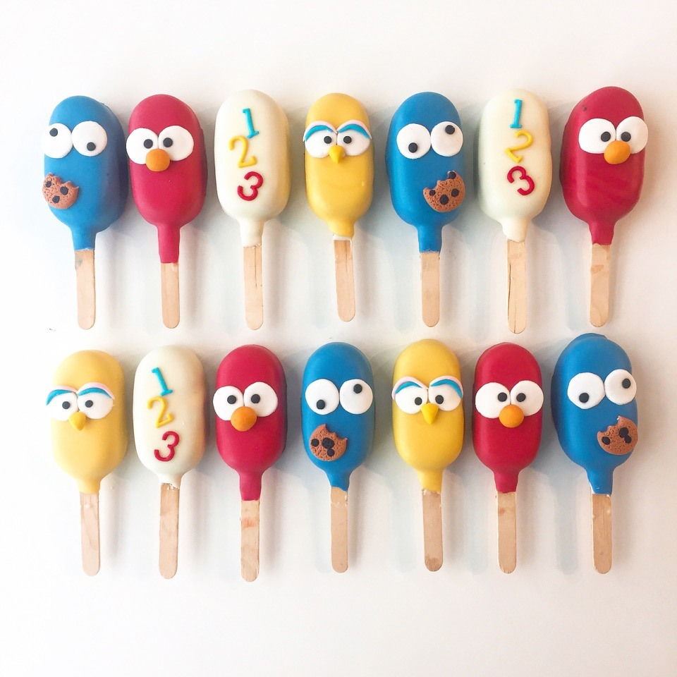 Sesame Street cake pops decorated with fondant
