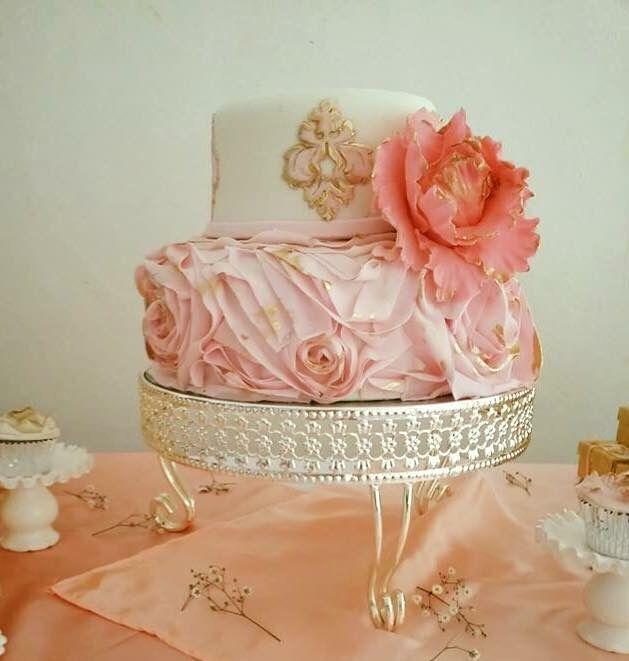 Pink & White ruffle wedding
