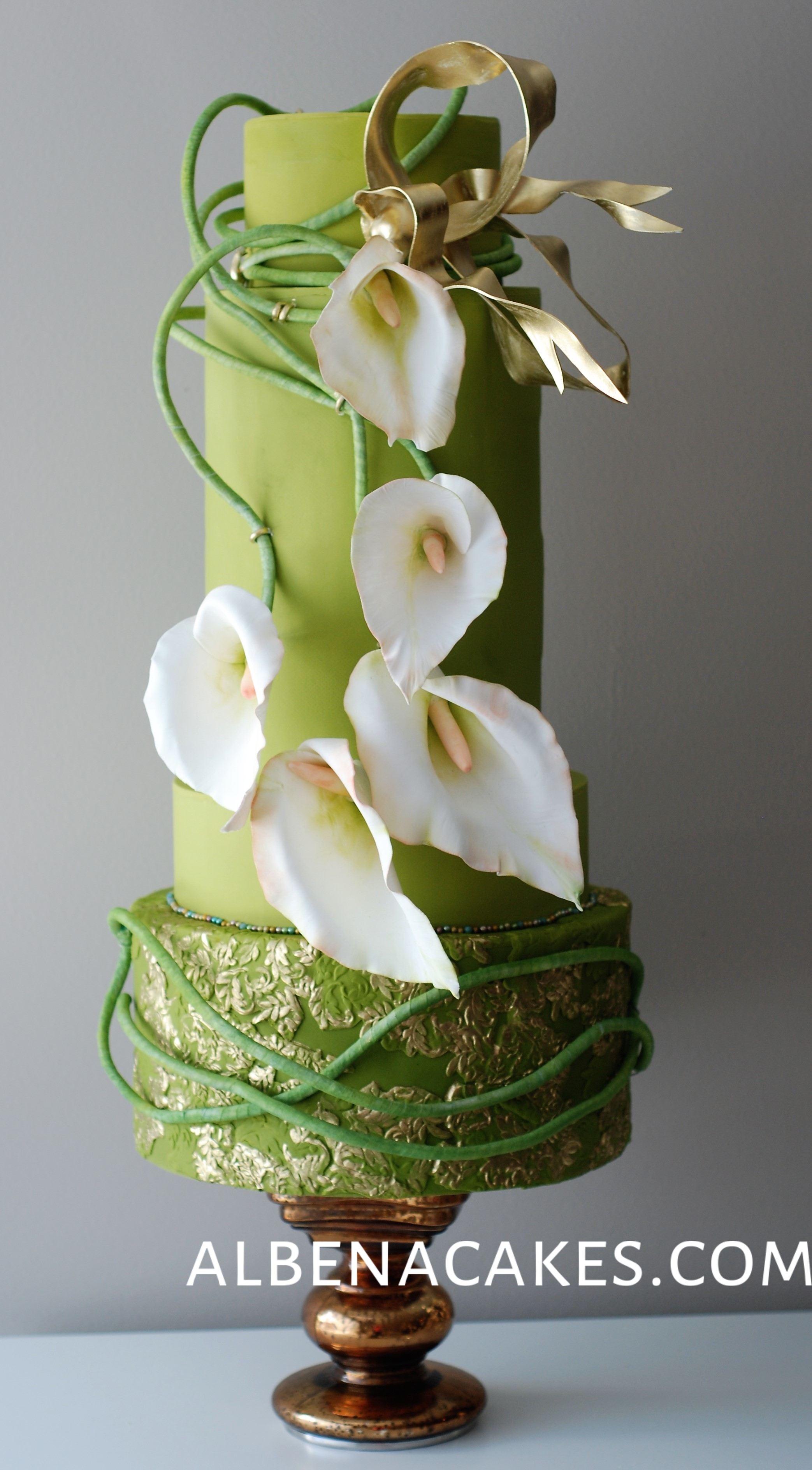 Bright Green Wedding with Lillies