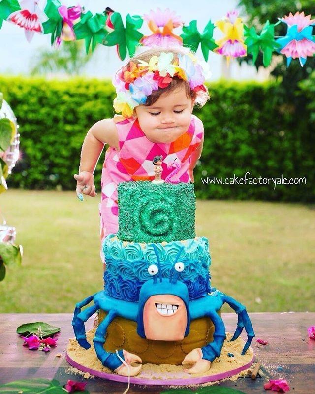 Moana Hawaiian themed birthday cake