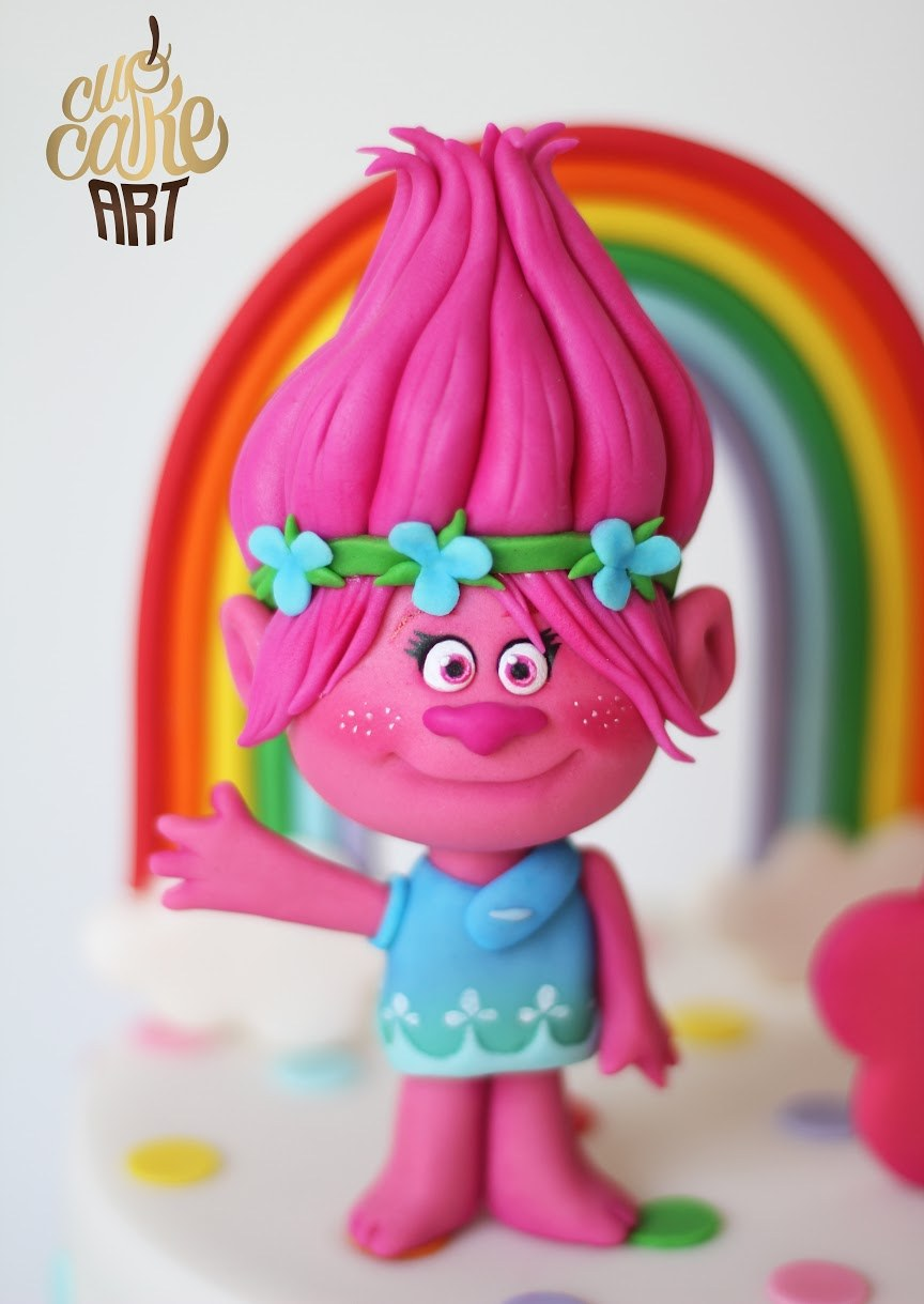 Poppy the troll cake topper