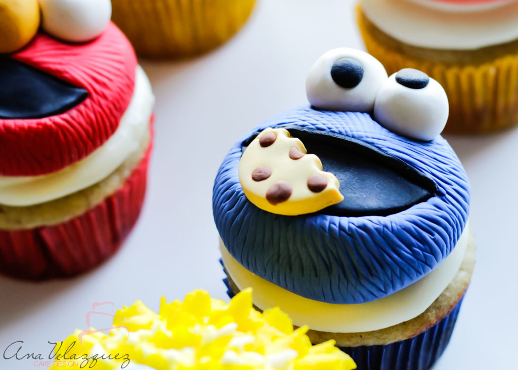 Cookie Monster fondant Cupcakes