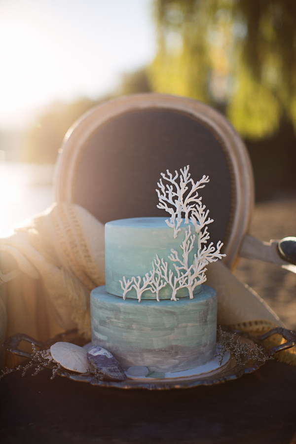 Light blue fondant beach wedding cake