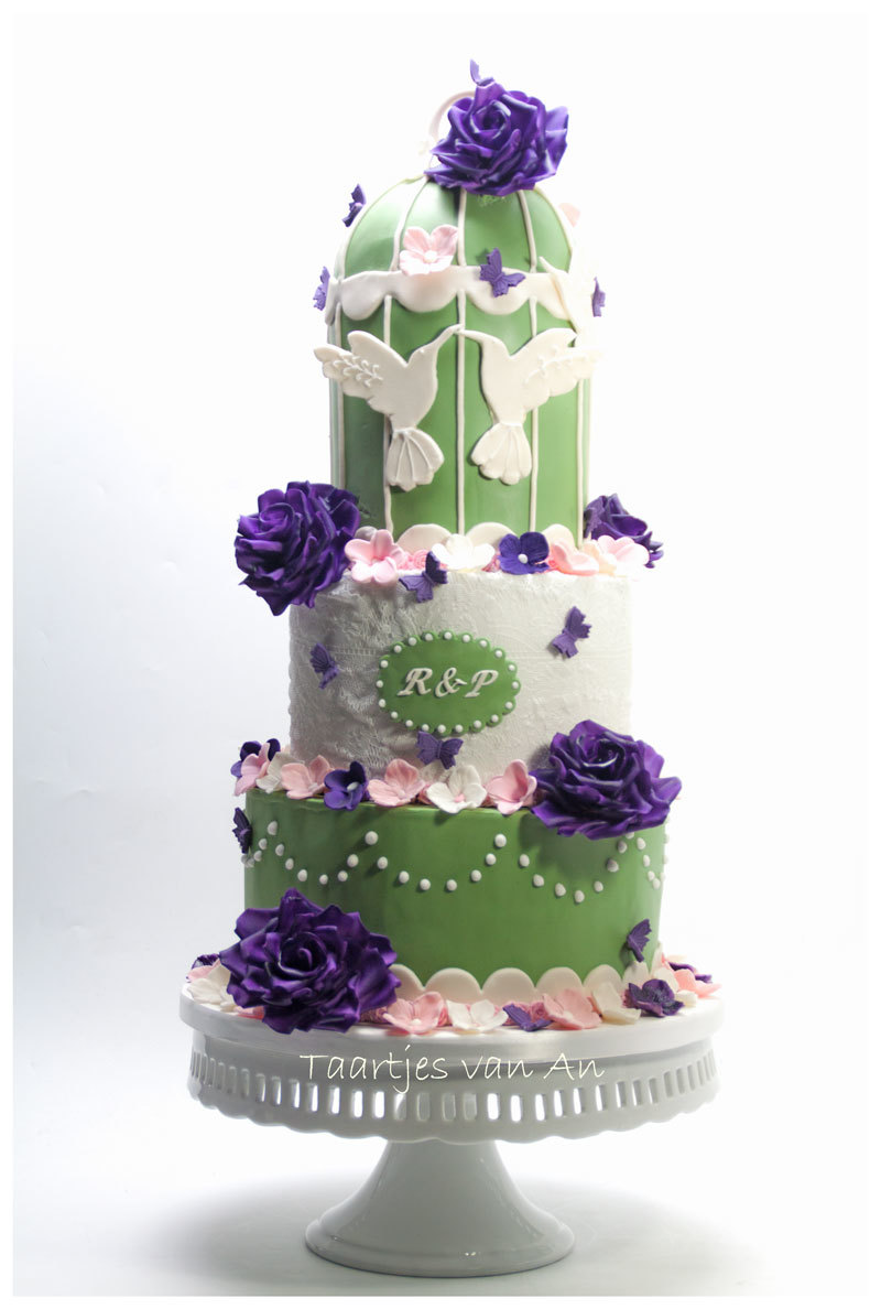 Birdcage green and white Wedding cake