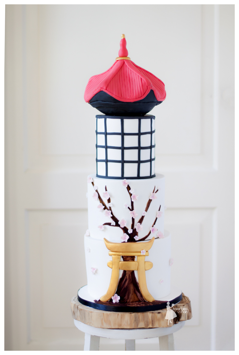 Asian inspired fondant wedding cake