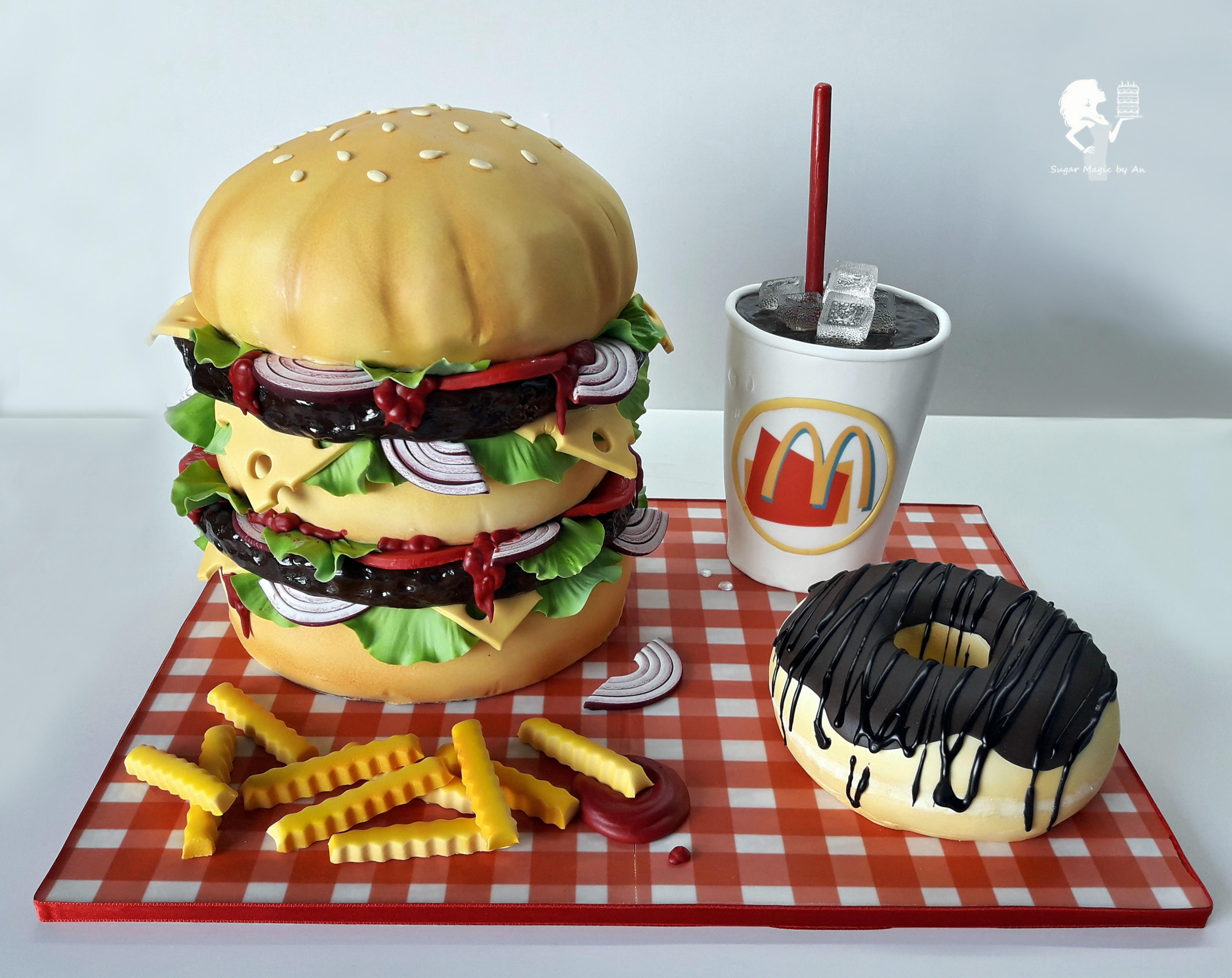 Hamburger shaped fondant cake