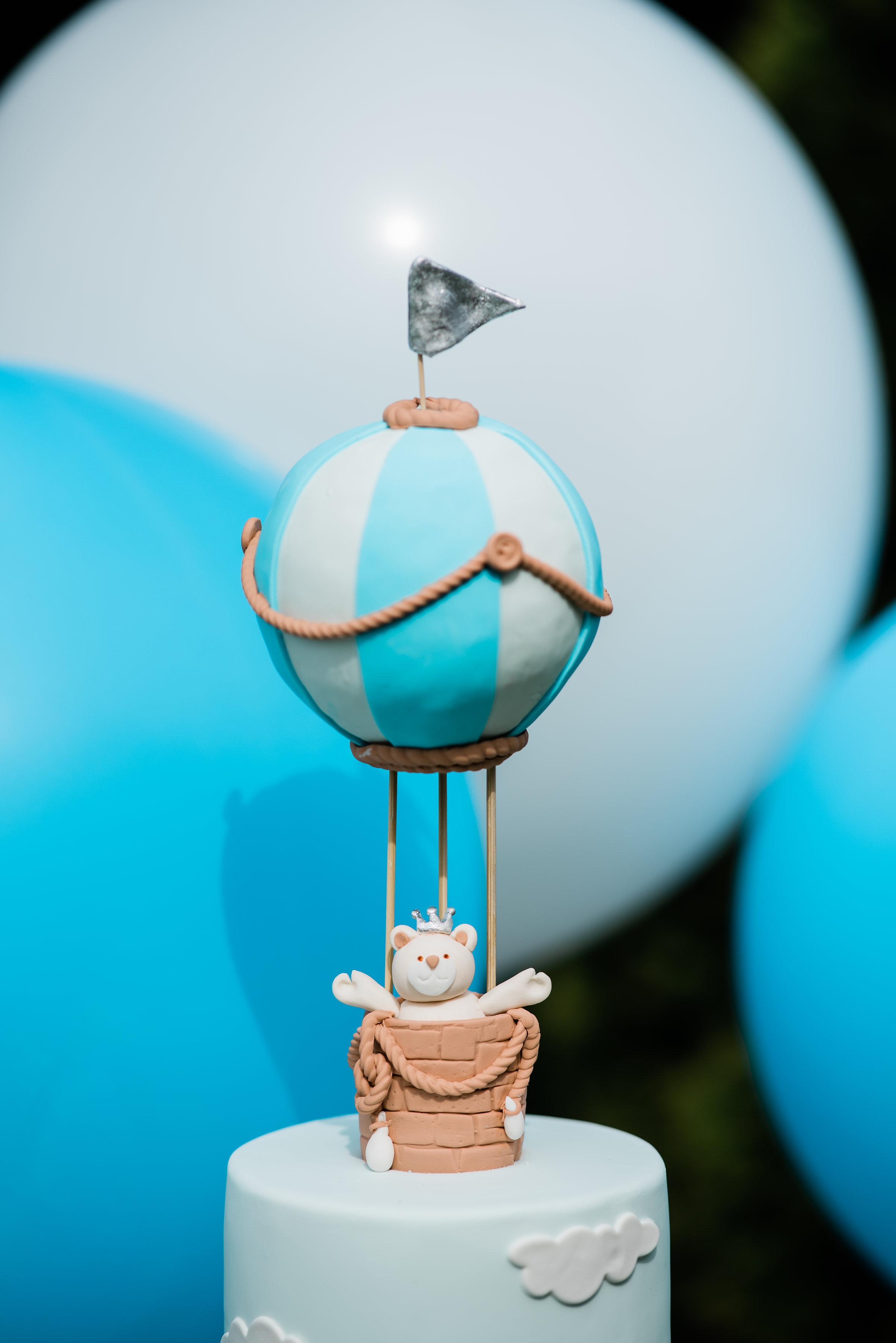 Hot air balloon baby blue fondant birthday cake