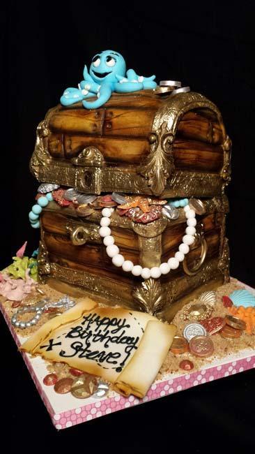 Fondant buried treasure birthday cake