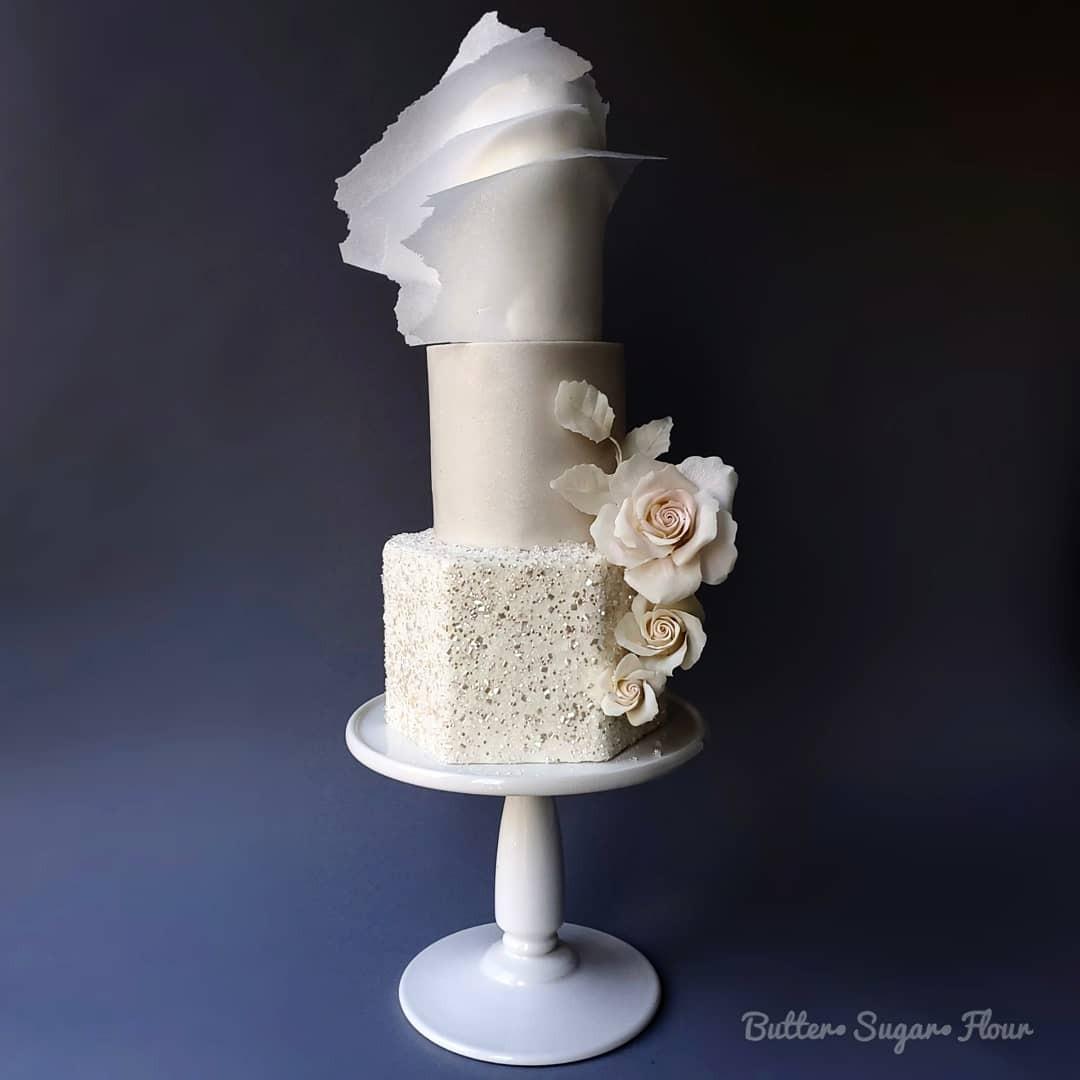 pearl shimmer fondant wedding cake
