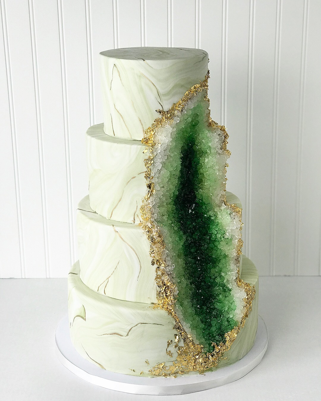 Green rock geode wedding cake
