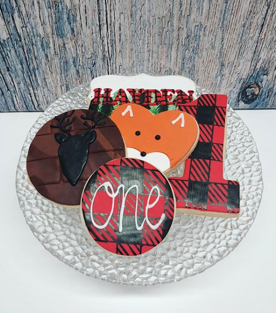Red plaid fondant cookies