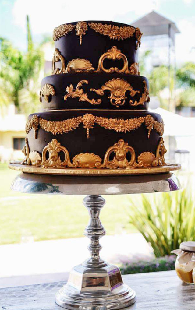 Black and gold baroque wedding cake