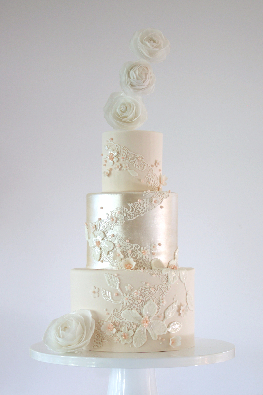 Ivory & metallic Silver fondant wedding cake