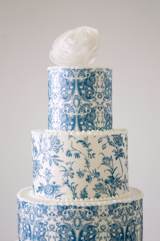White and blue porcelain wedding