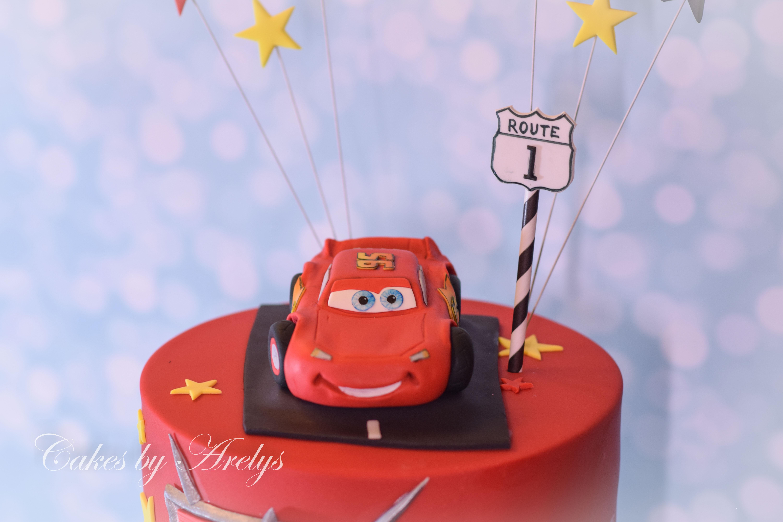 Lightning mcqueen modeling chocolate cake topper