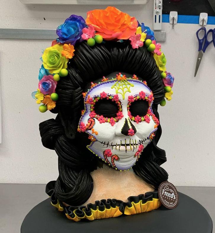 Sugar Skull bust cake