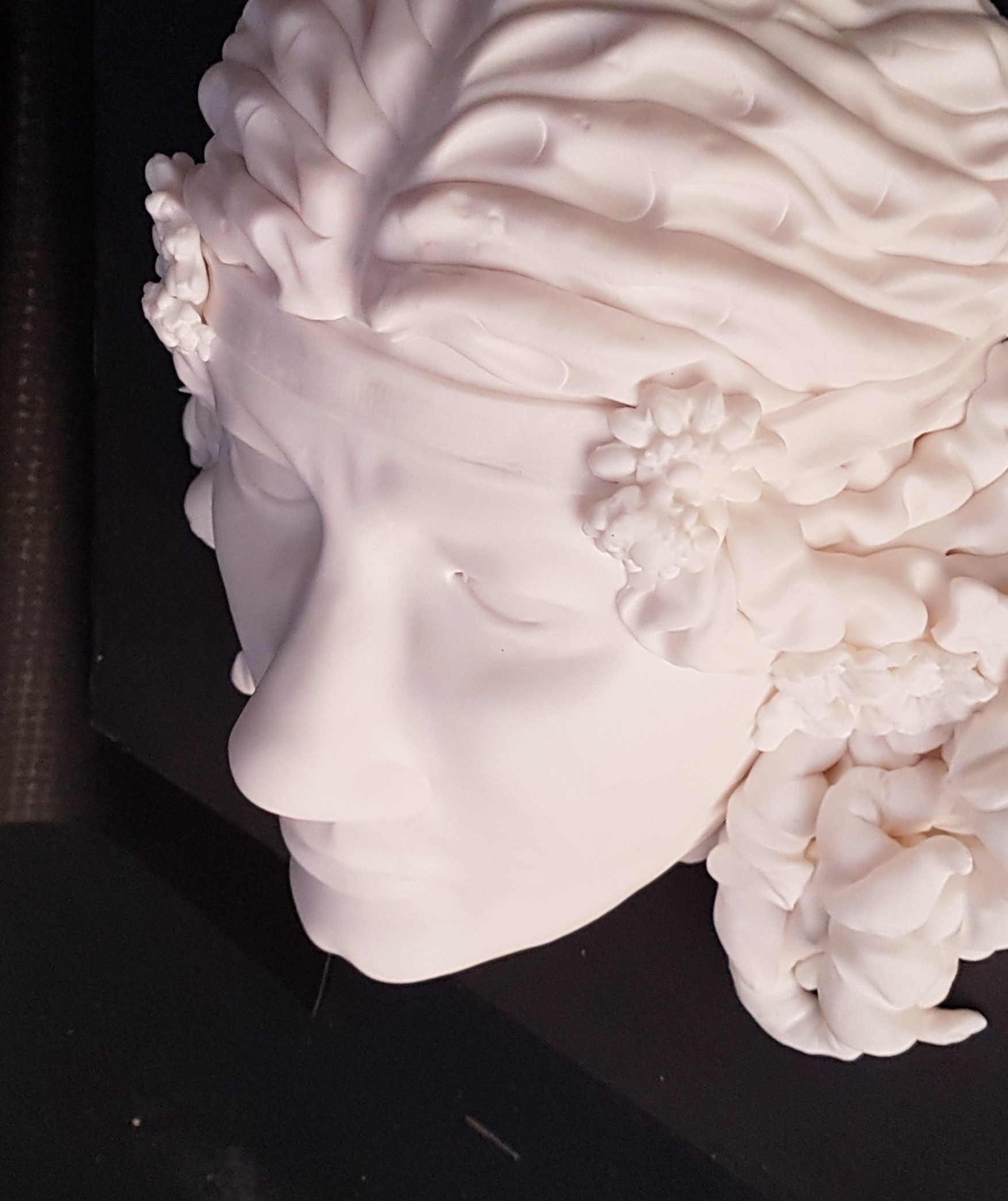 white Modeling Chocolate sculpture