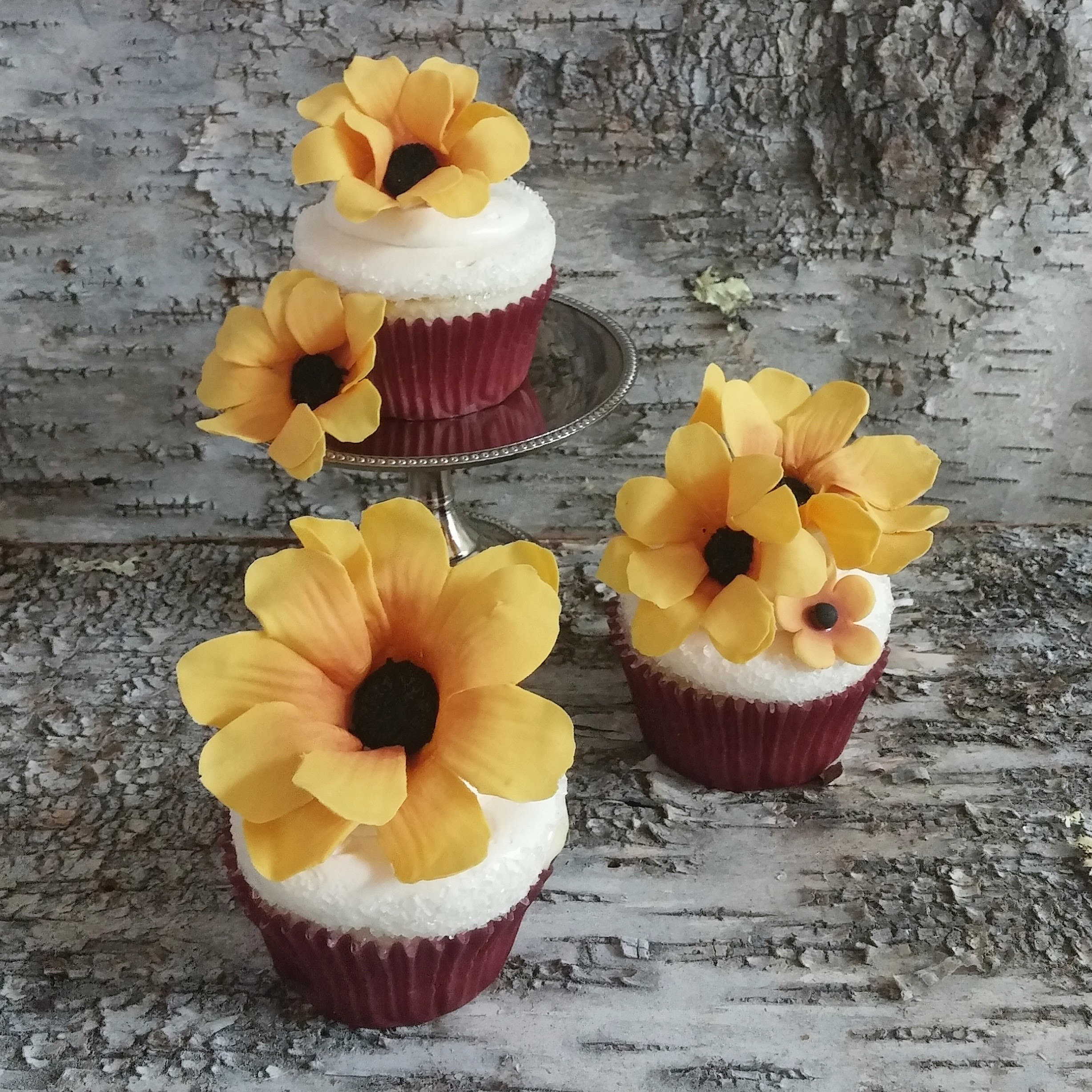 Gum  Paste Sunflower cupcakes