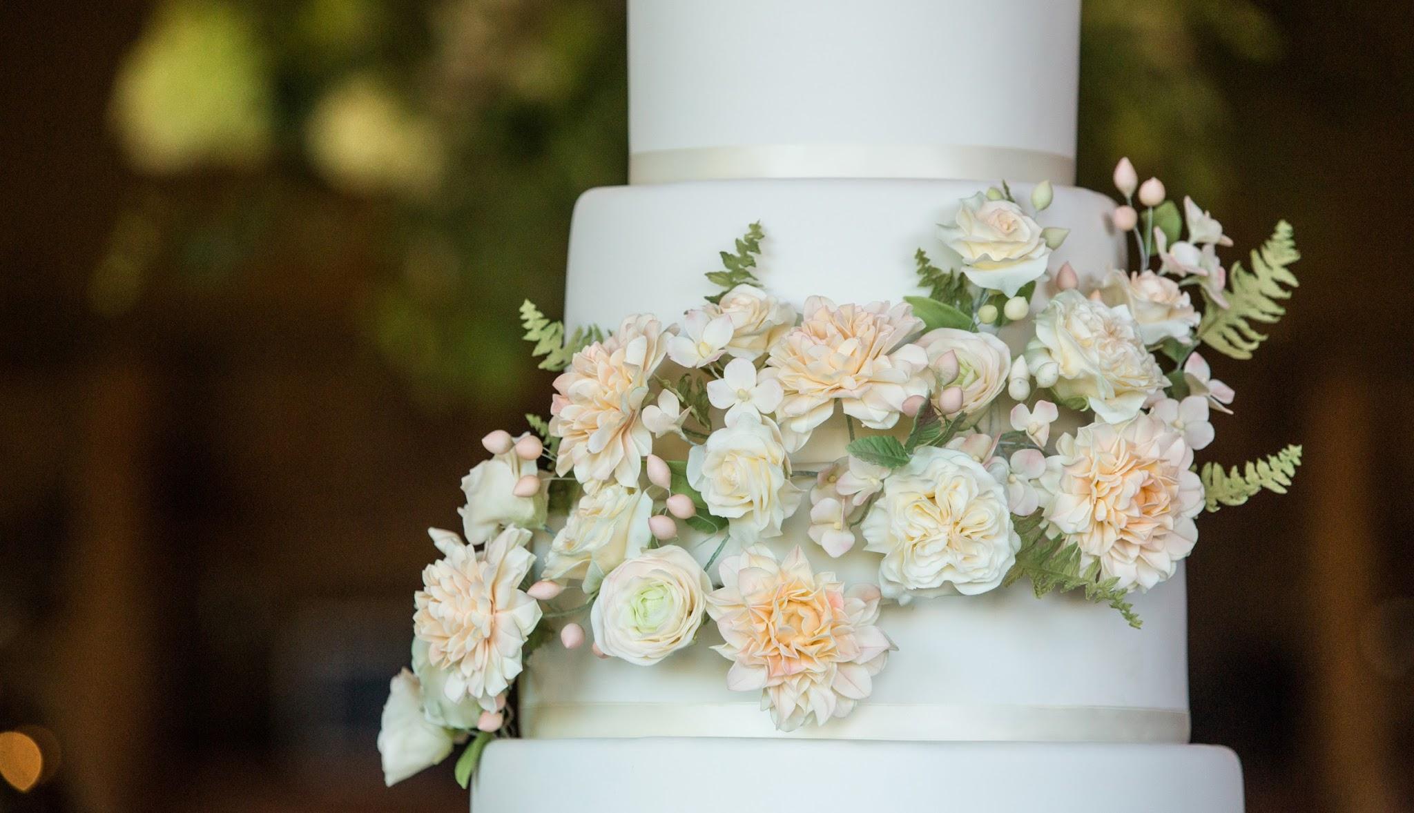 Pastel sugar flower wedding cake