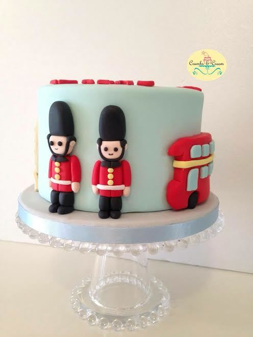 London themed mini birthday cake