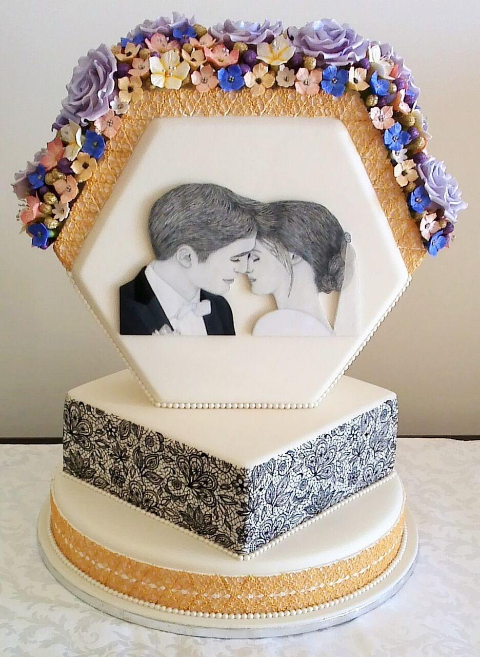 Geometric wedding cake with silhouette