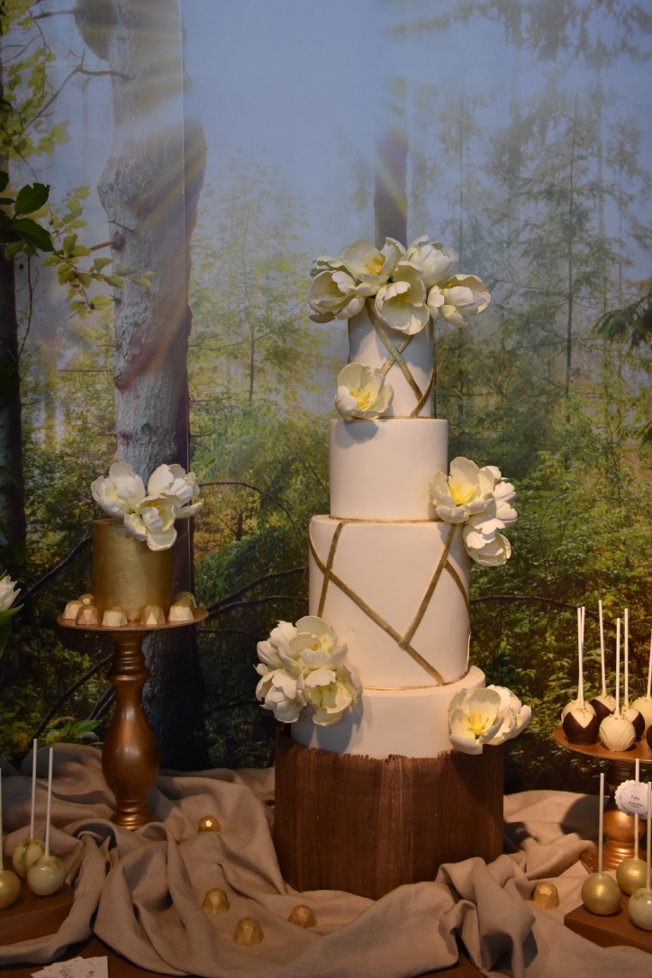 White Wedding Cake with gold geometric trim