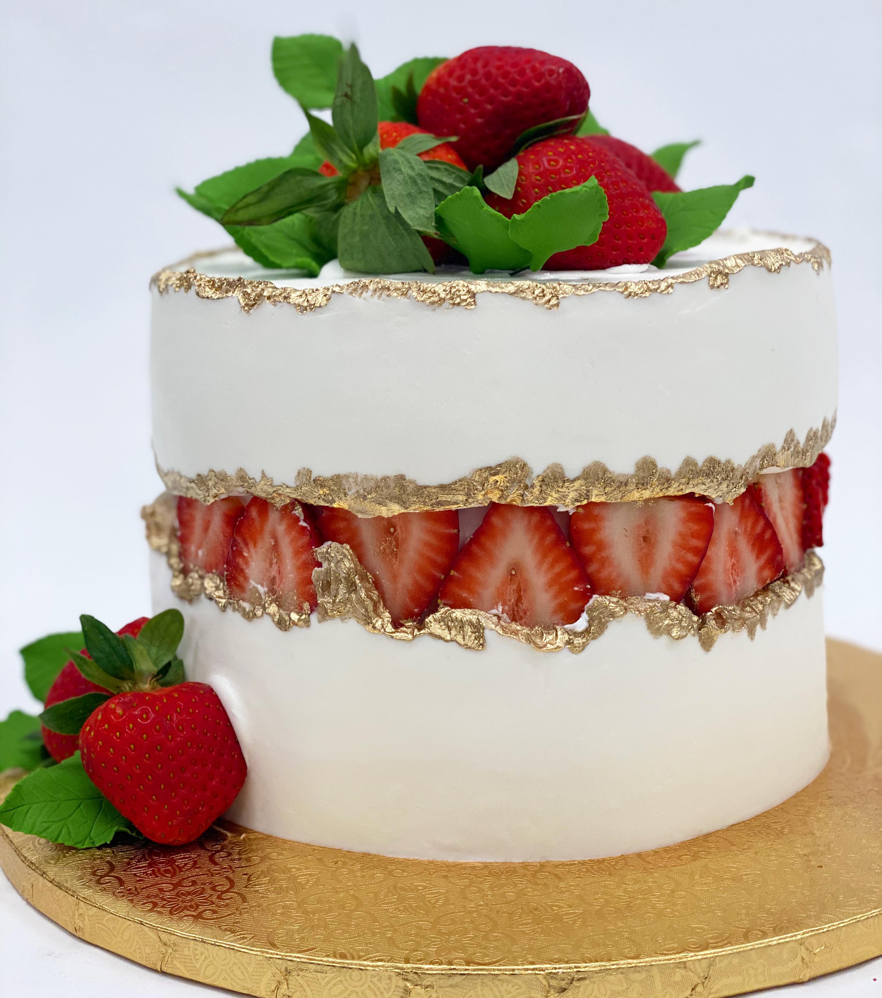 White fault line cake
