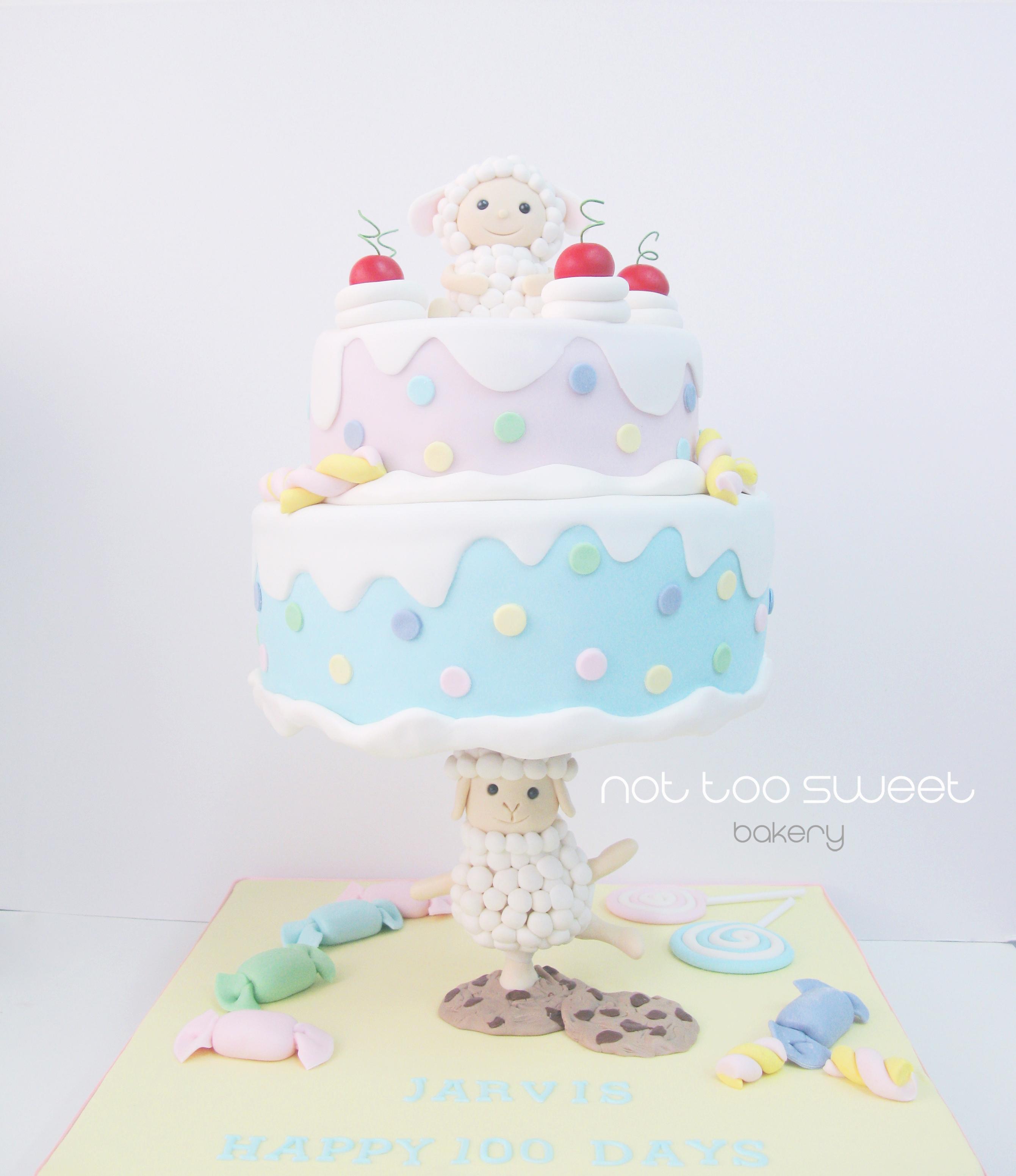 Gravity defying baby Sheep birthday cake