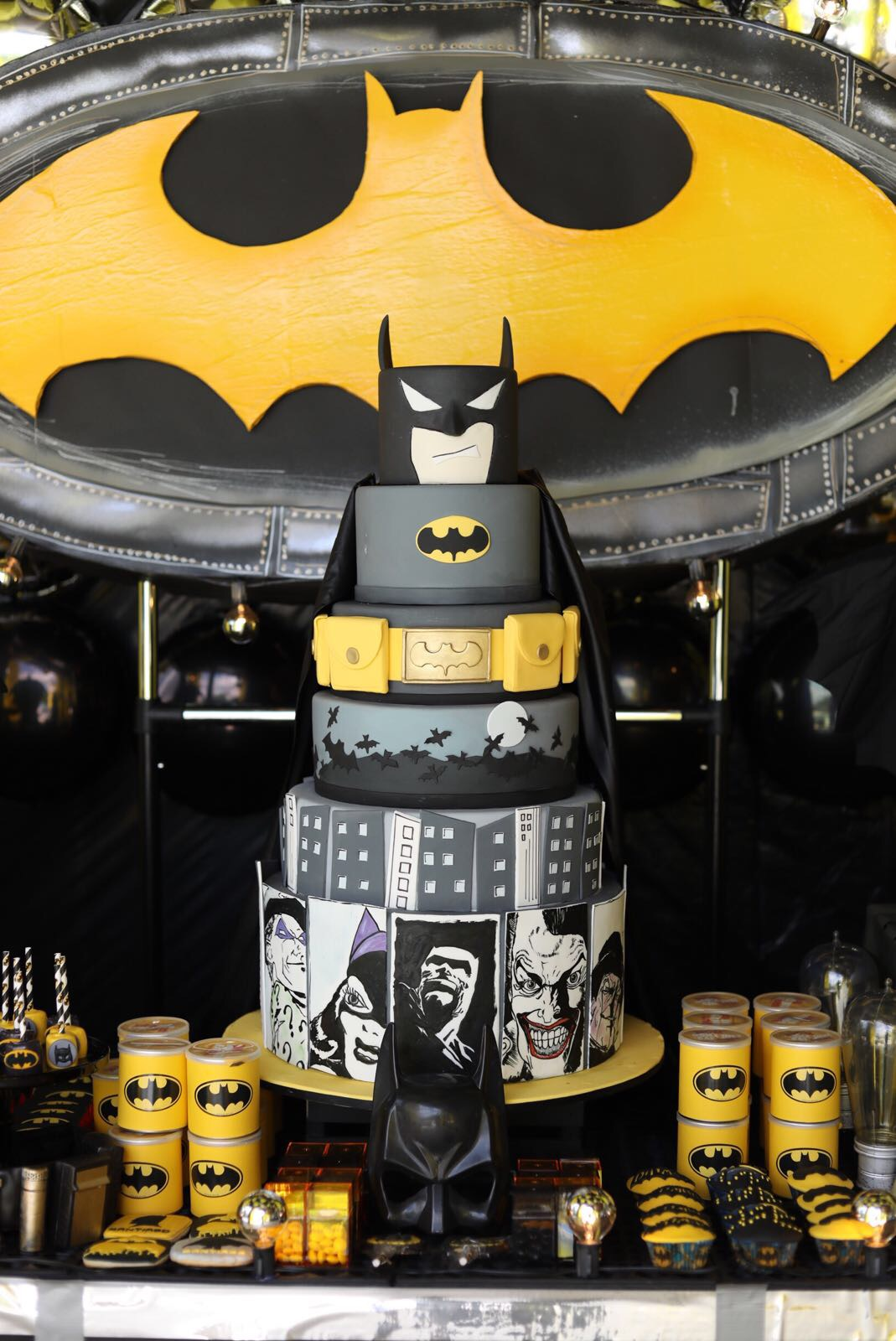 Black and yellow batman birthday cake